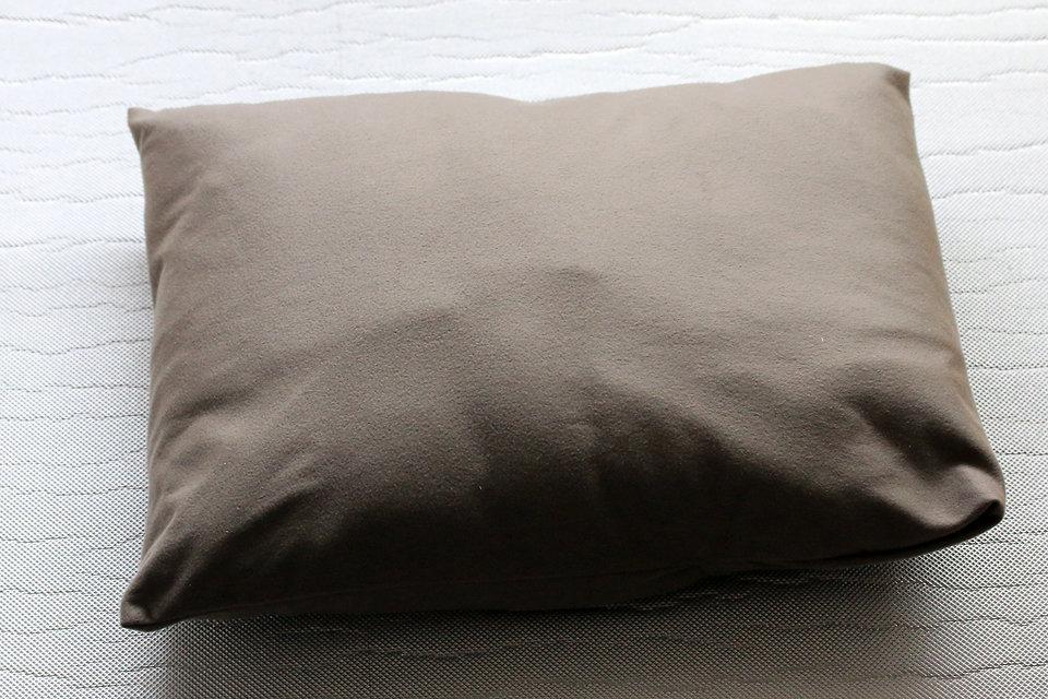 un oreiller Un oreiller pour la randonnée un oreiller