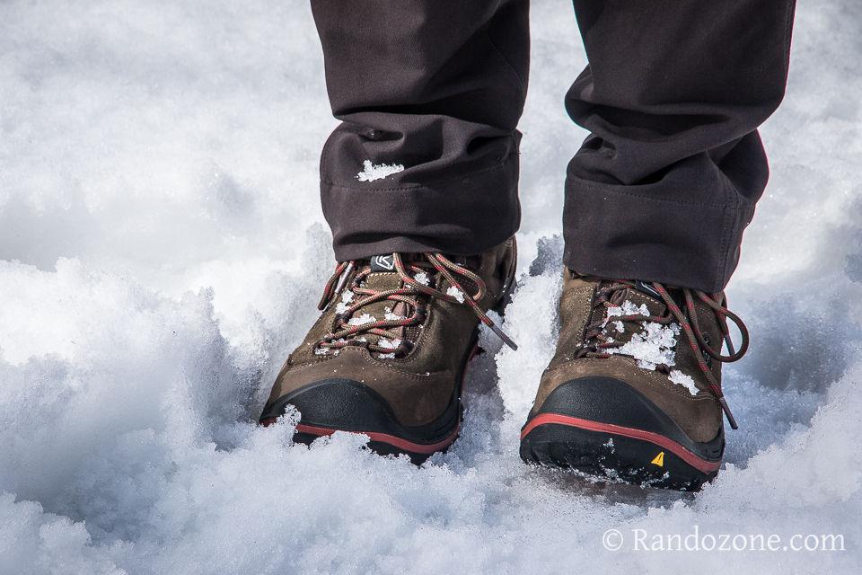 Test des chaussures de randonnée Keen Wanderer dans la neige