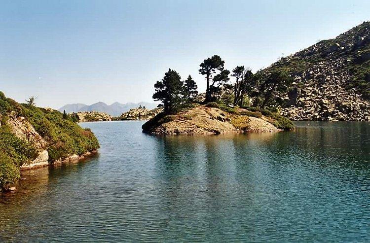 Randonnée jusqu'au superbe lac de Bastampe
