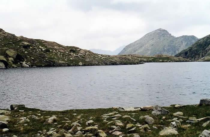 Lac d'Estelat supérieur en arrivant du Turon du Néouvielle