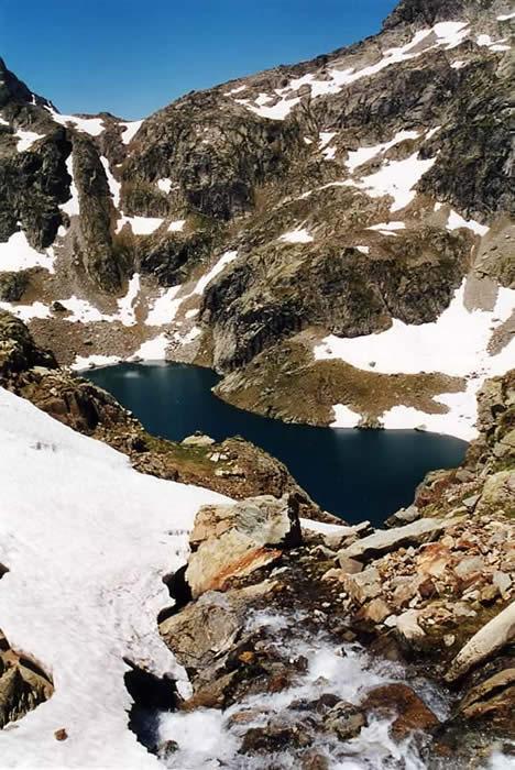 Lac d'Ariel en venant du refuge de Larribet.