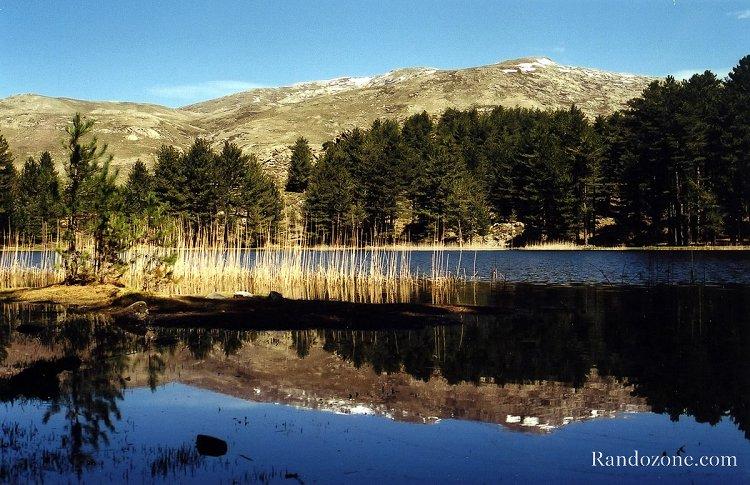 Reflet dans le lac de Creno