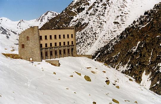 Refuge de la Glère (2153 m)