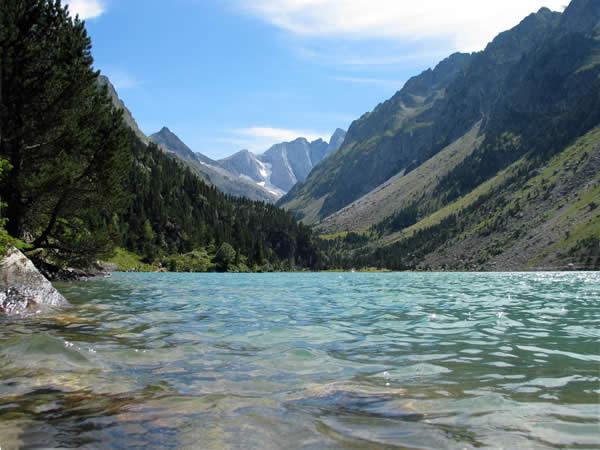 Lac de Gaube et une partie du Vignemale