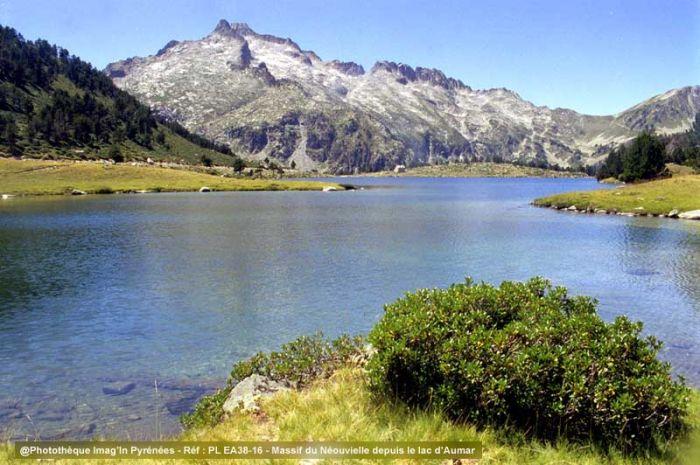 Massif du Néouvielle depuis le lac d'Aumar