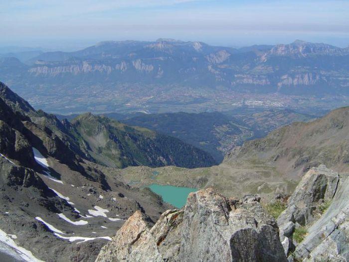 Vue sur la vallée Grenobloise depuis le sommet de la Croix de Belledonne