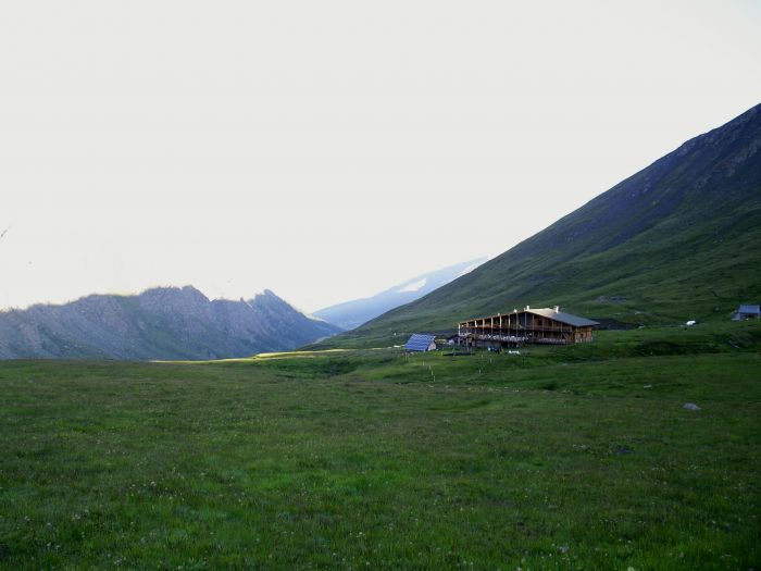 Refuge Agnel (2580 m.)