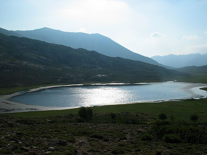 Le superbe lac de Nino