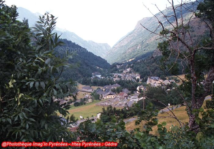 Gèdre et la vallée