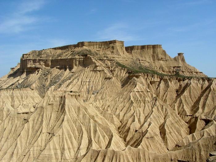 Formes géométriques dans le désert des Bardenas