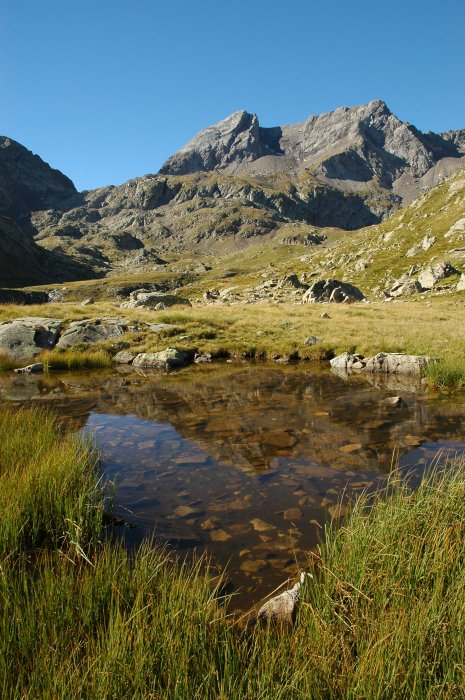 Petit lac d'Arratille avant la montée au col