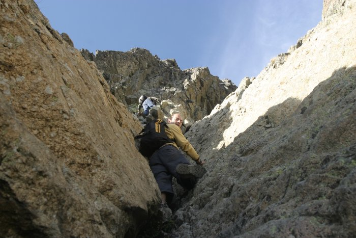 Peïo Lansalot dans une des cheminées du Pic d'Ossau