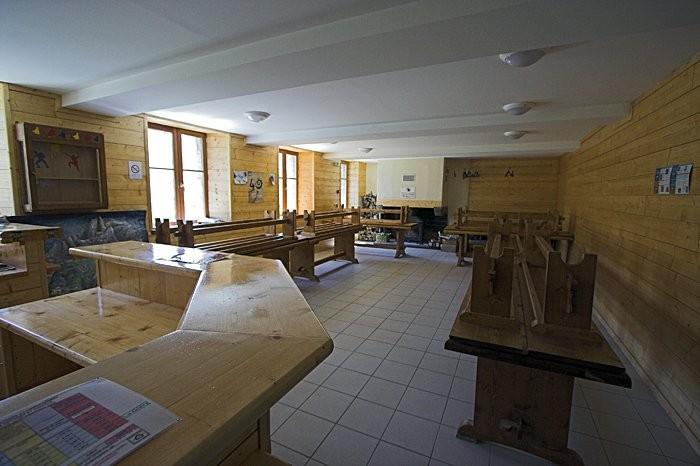 Salle à manger du refuge de la Glère