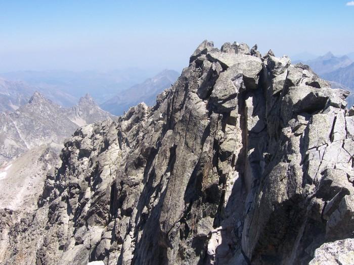Géodésien vu du Pic du Palas