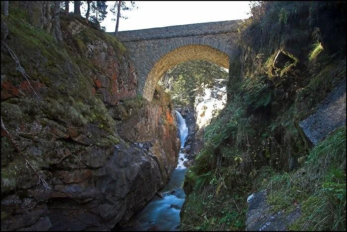 Sous le Pont d'Espagne