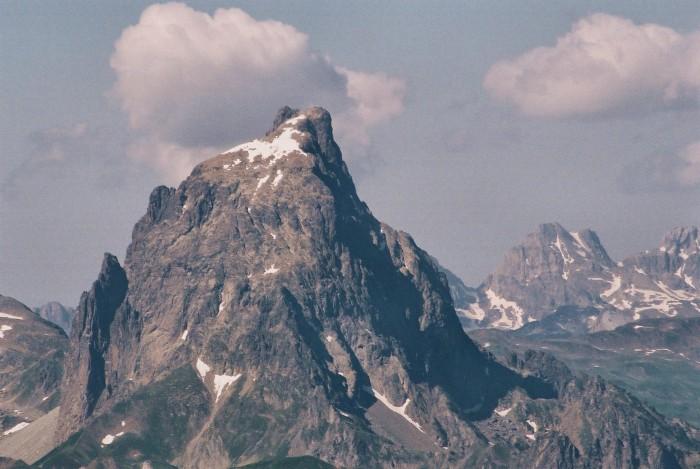 Le pic du Midi d'Ossau depuis l'Arré-Sourins