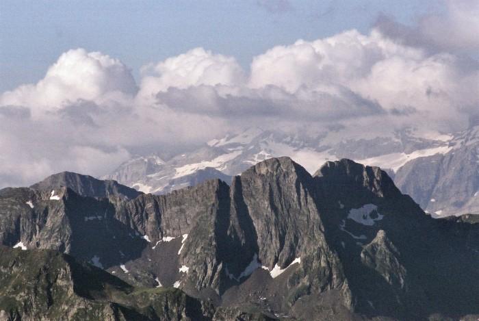 Pic de Maucapéra et Cumiadère depuis la pène deth pouri