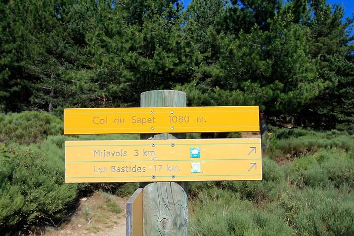 Panneau au col du Sapet à 1080 mètres d'altitude