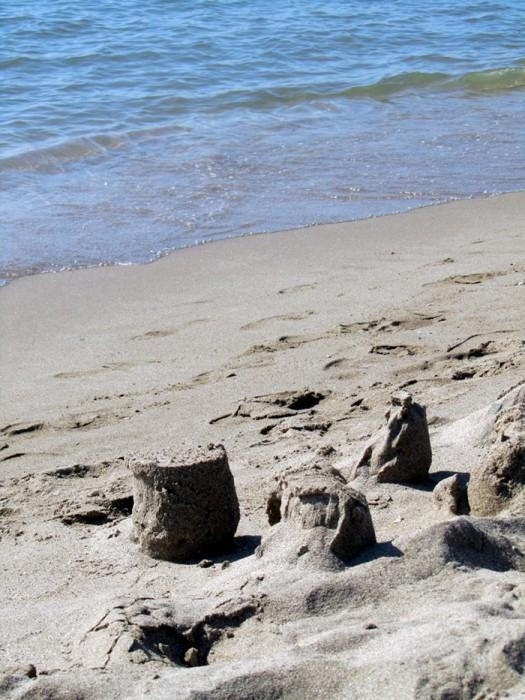 Plage de Portiragnes et ses chateaux de sable