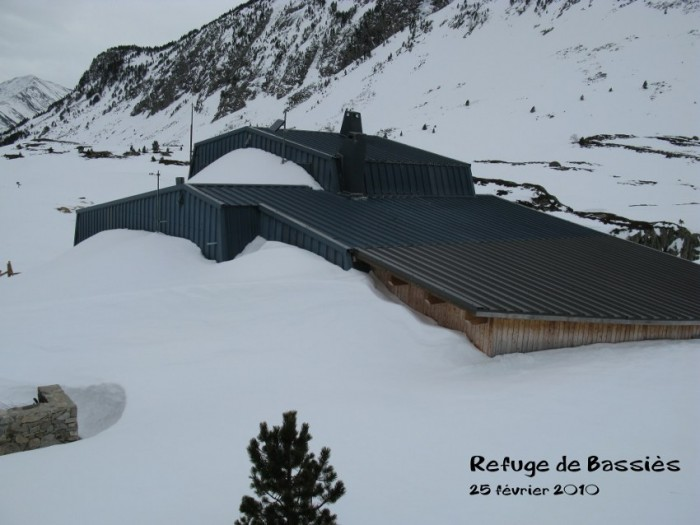 Refuge de Bassiès sous la neige