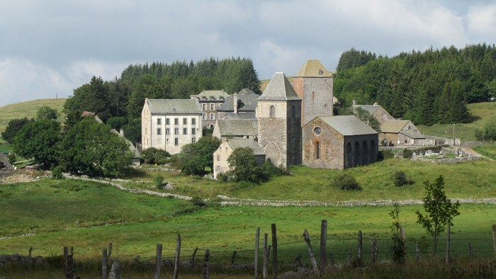 Village d'Aubrac en Aveyron sur le Chemin de Saint Jacques de Compostelle