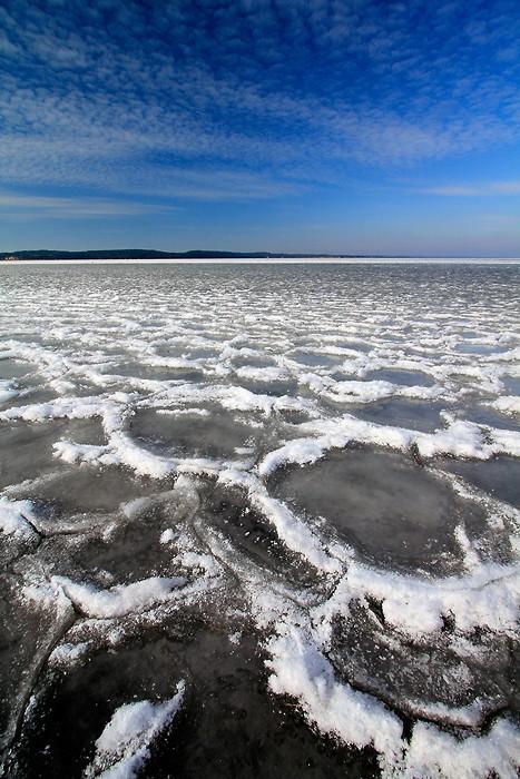 L'eau du lac d'Hourtin a gelé du côté de Maubuisson
