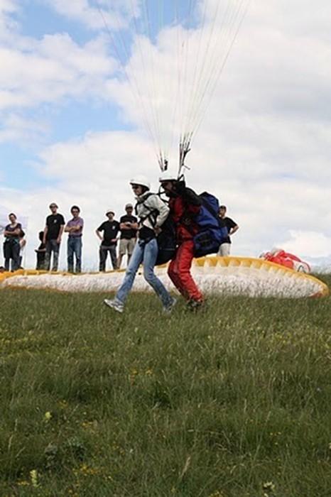 Parapente en Aveyron, à Balsac, avec le Club de parapente de Rodez