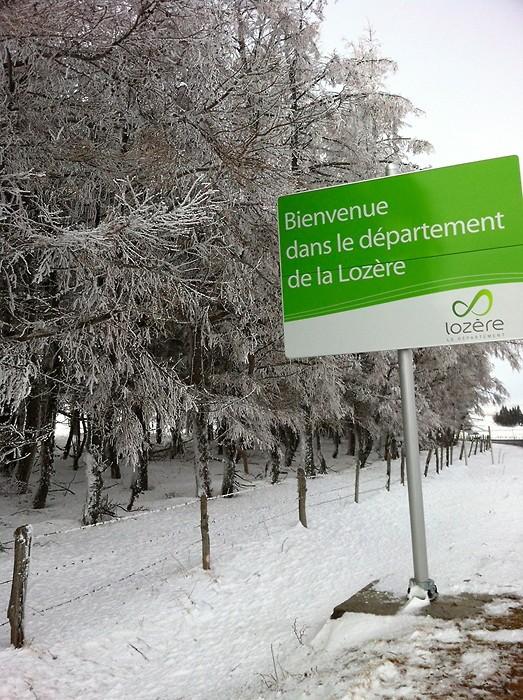 Aubrac, frontière entre l'Aveyron et la Lozère, enneigée