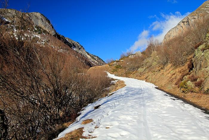 Balade dans la neige à côté de Gavarnie