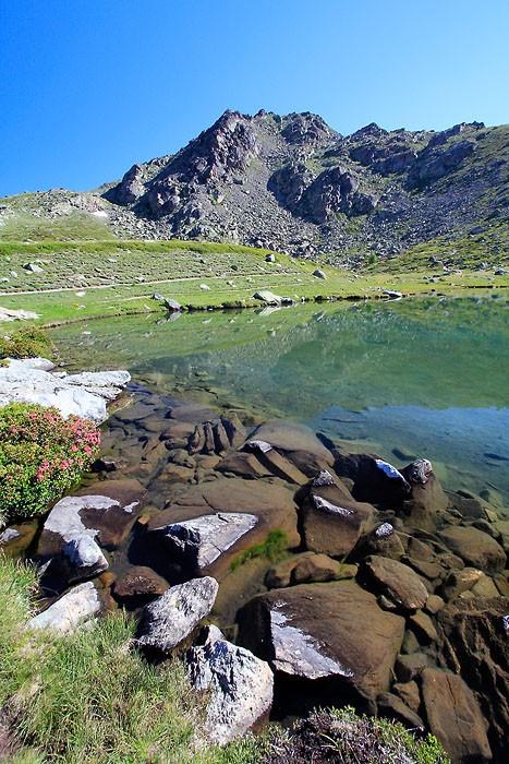Lac Laramon dans les Alpes