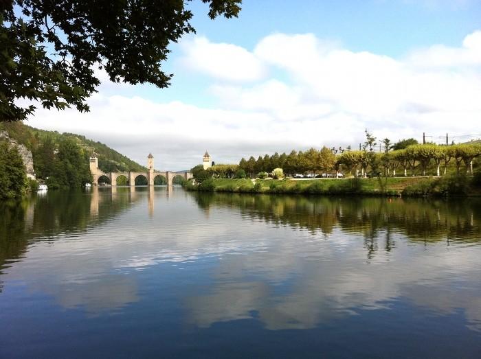 Cahors et le Pont Valentré qui enjambe le Lot