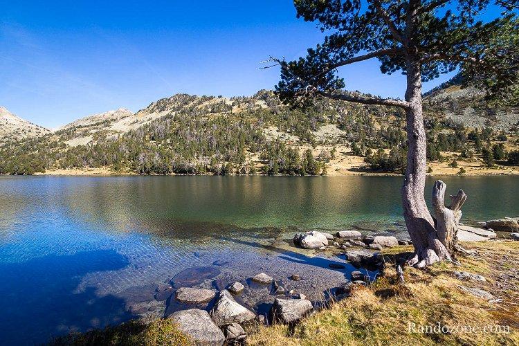 Lac d'Aumar dans les Pyrénées