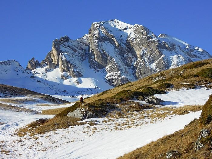 Col du Pourteillou sur la gauche de la photo, Pyrénées