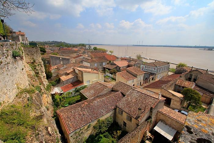 Balades et randonnées pédestres à Bourg en Gironde