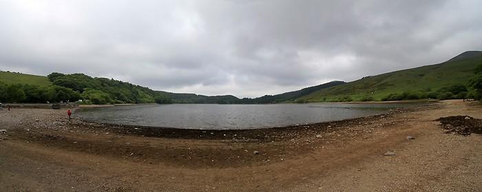 Panoramique au bord du lac de Guéry