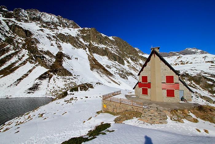 Refuge d'Ilhéou dans les Pyrénées