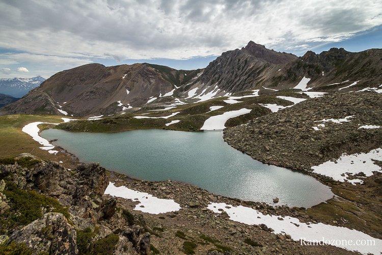 Grand lac de l'Oule dans les Hautes-Alpes