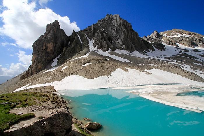 Lac des Béraudes et la pointe des Béraudes