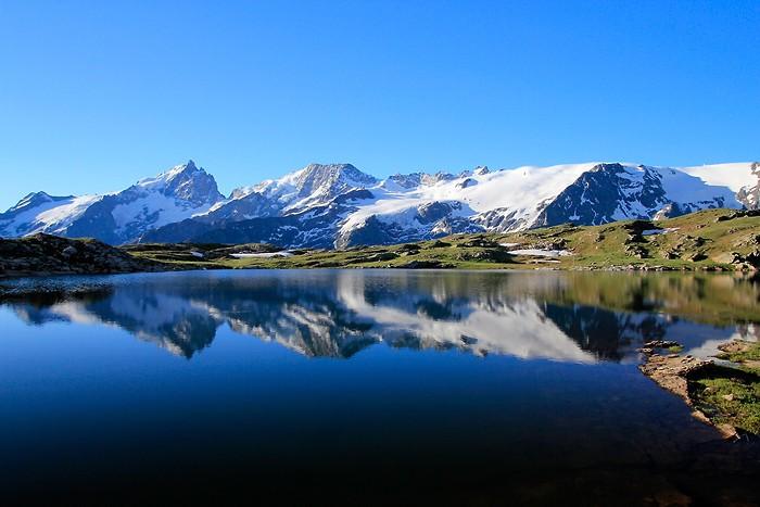 Reflet de la Meije dans le lac Noir
