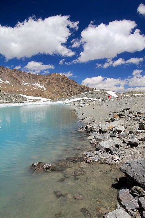 Au bord du lac du Glacier d'Arsine