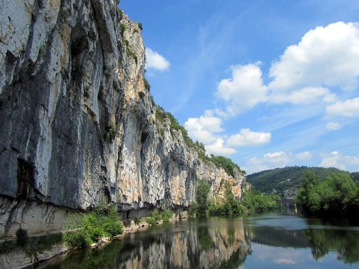 Le chemin de halage sous Saint Cirq Lapopie