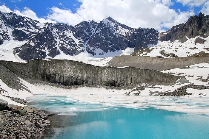 Lac de la Douche et lac d'Arsine depuis le Casset