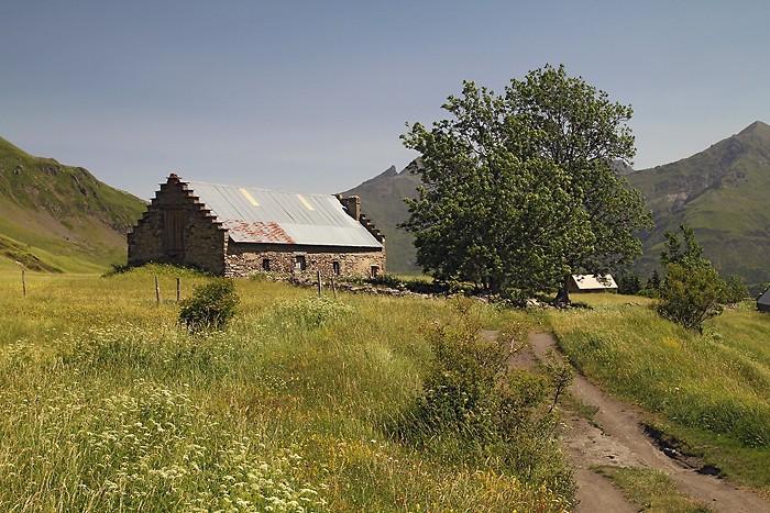 Grange sur le plateau de Saugué