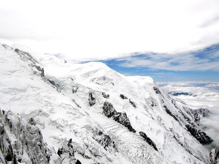 En montant à l'Aiguille du Midi, Alpes, Chamonix
