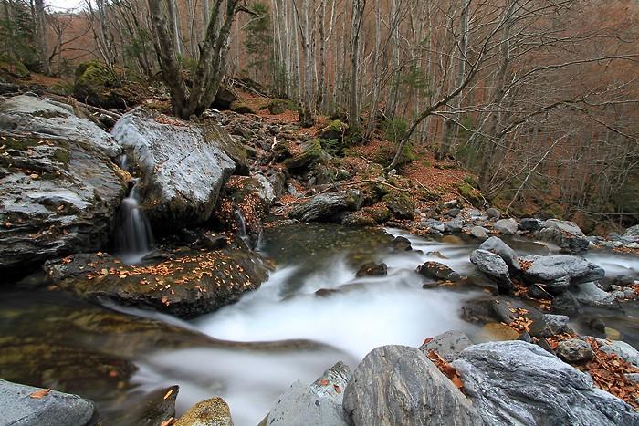 De belles couleurs d'automne dans les Pyrénées