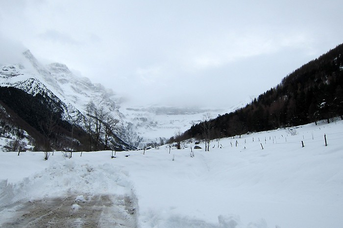 Cirque de Gavarnie sous la neige