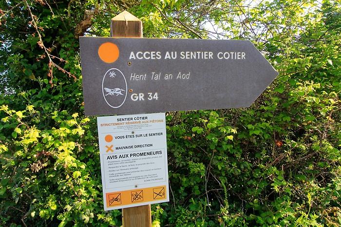 Accès au sentier côtier GR 34