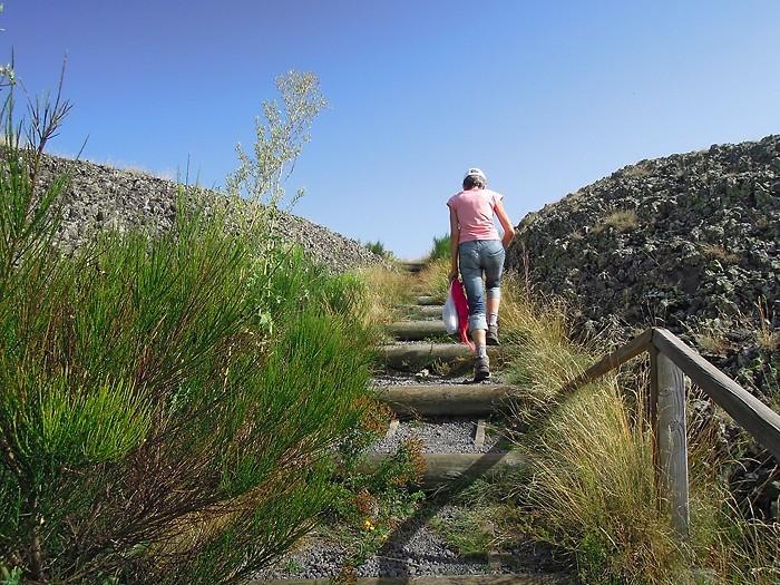 Randonneur sur l'Aubrac, en randonnée pédestre