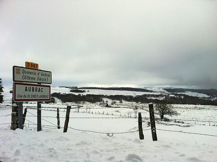Village d'Aubrac sous la neige d'hiver