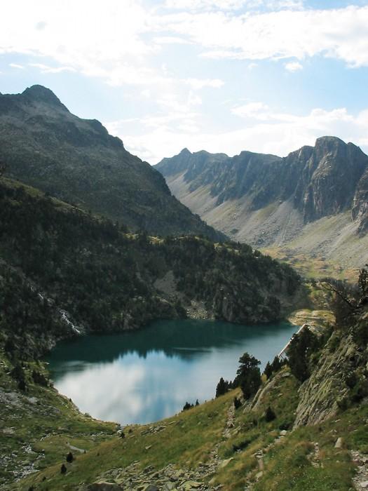 Lac de la Restanca dans les Encantats